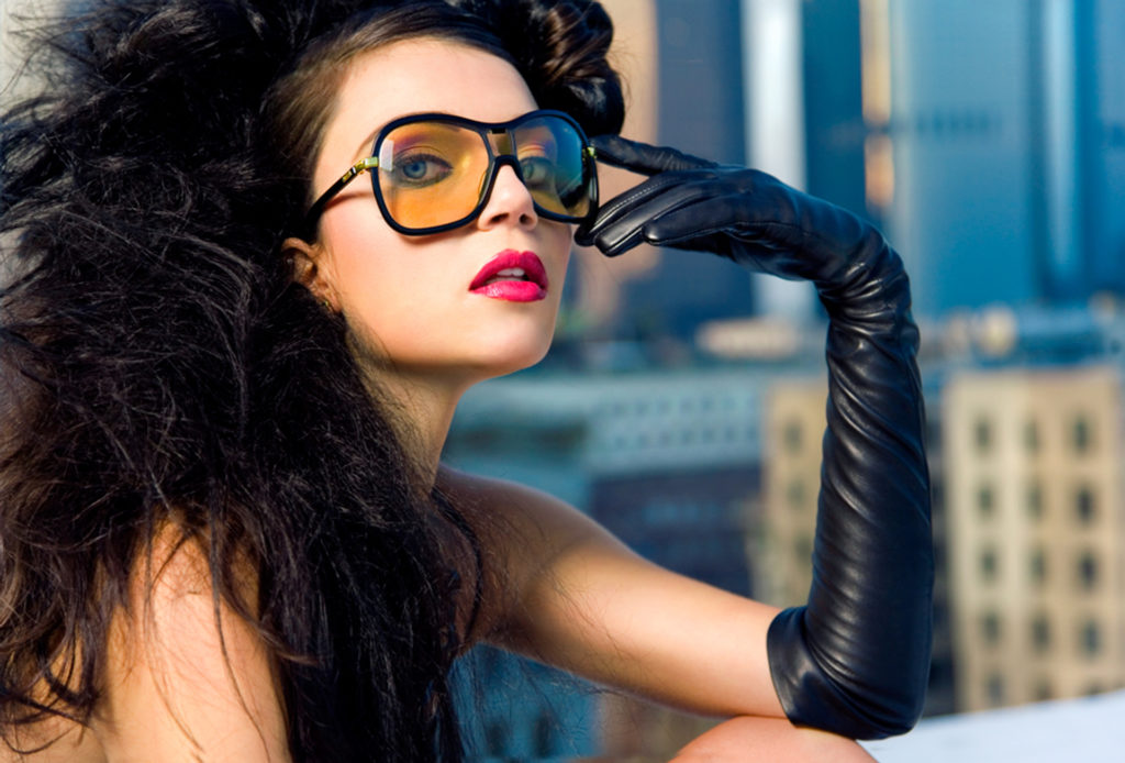 Арт и гламур. Эротические фото девушек в красивых позах, маияже и одежде
