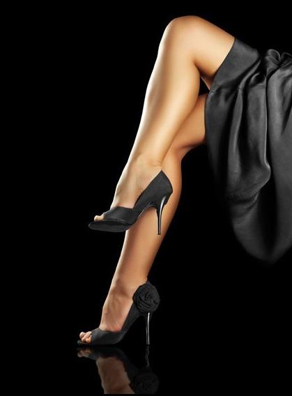 фут фетиш ног фото красивые ножки в черных открытых туфлях на каблуке