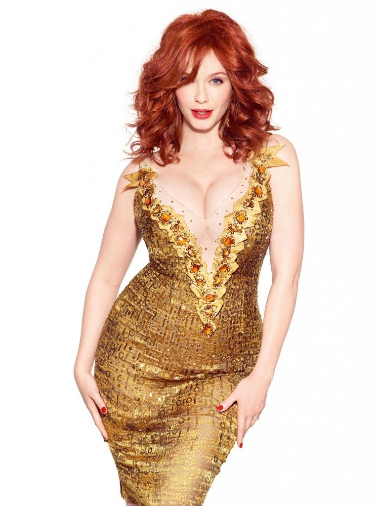 Кристина Хендрикс горячие фото в платье золотого цвета из которого выпирает шикарная грудь