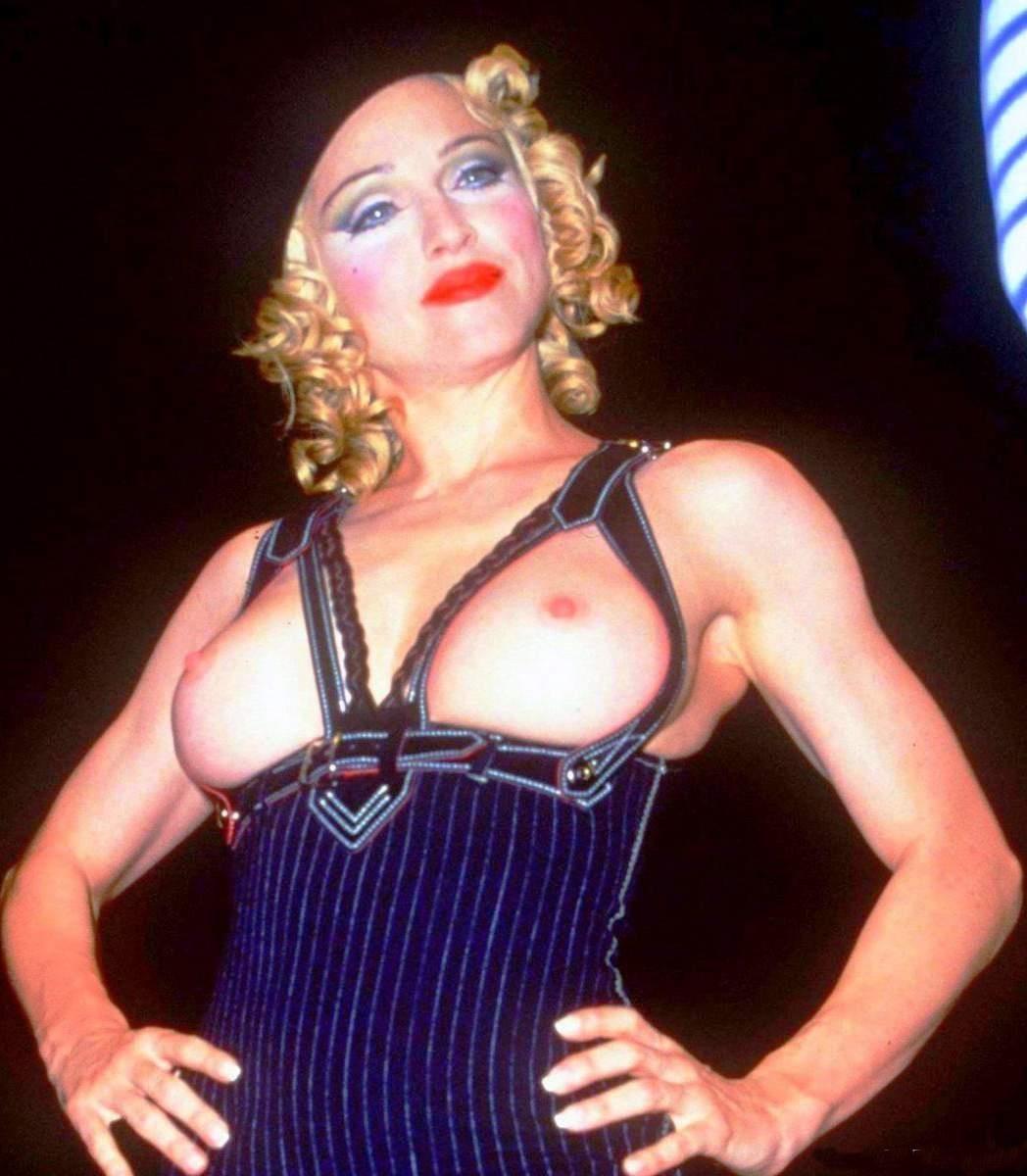 Мадонна фото с голыми сиськами с ярким макияжем