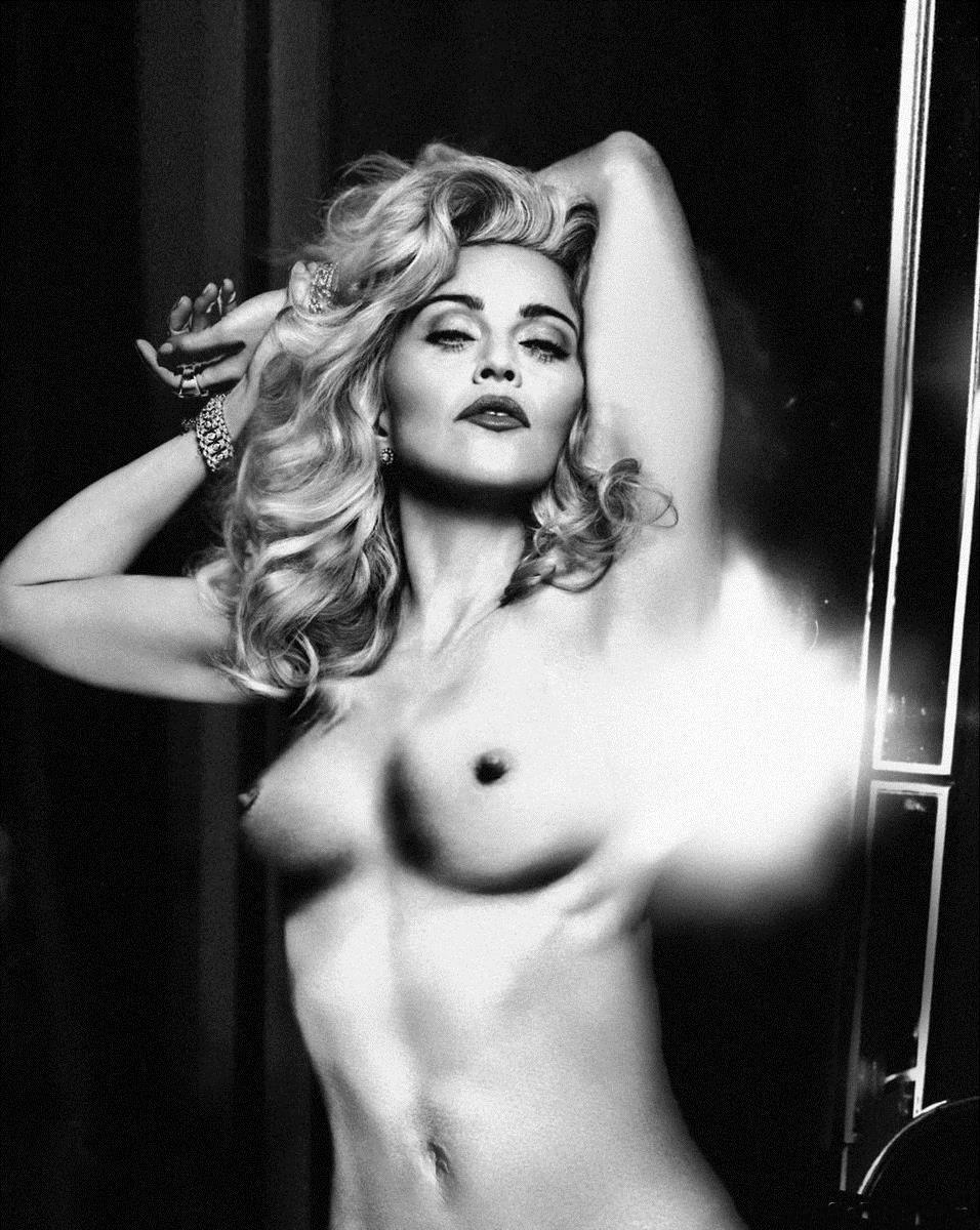 Мадонна фото голая черно белое фото