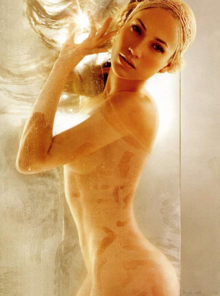 Дженифер Лопес гола фото голая стоит подняв руки вверх