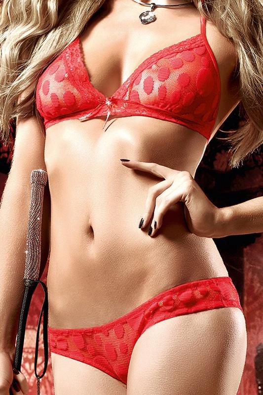 фото девушек без лица в нижнем белье красного цвета