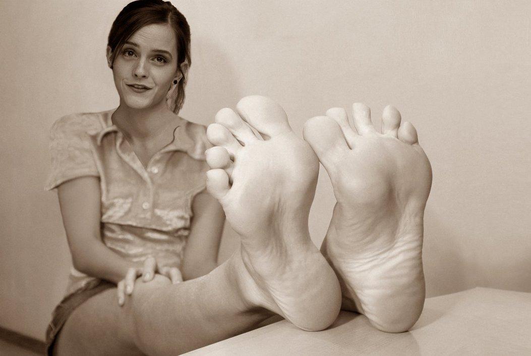 эмма уотсон фото ступней