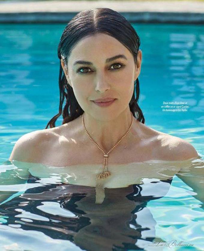 фото Моники Беллуччи лицо в бассейне