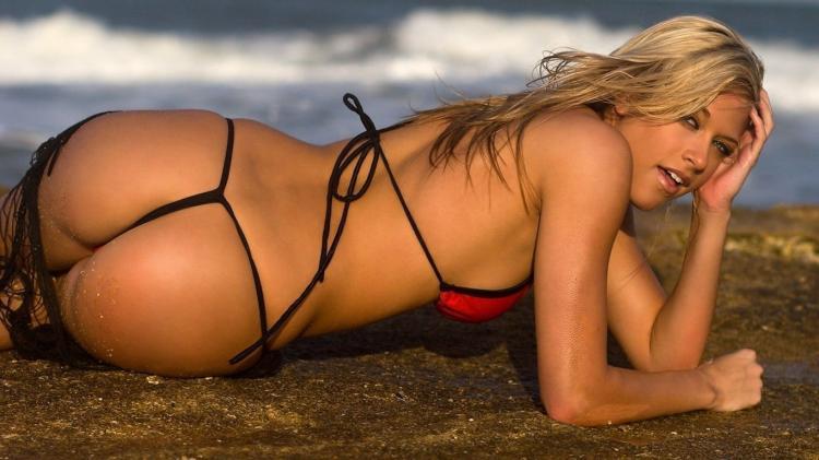 Бикини пляж девушки красивой купальник веревочками