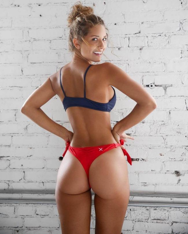 Сиерра Скай модель в нижнем белье фото