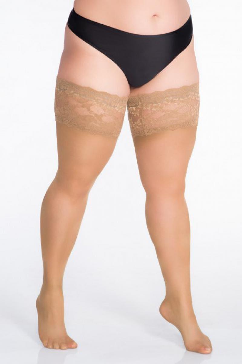 полные ножки фото женщины в челках телесного цвета и трусиках черного цвета, приподнялась на носочках