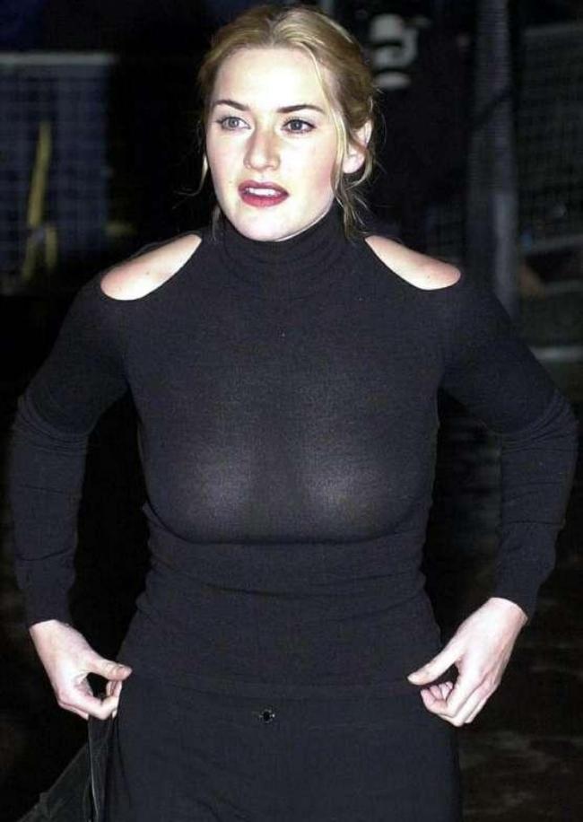 Кейт уинслет горячие стоит в обтягивающем черном платье без лифчика