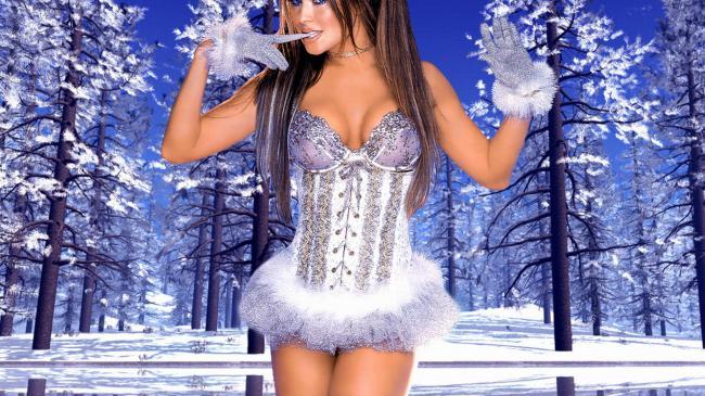 Шикарный эротичный костюм серебристого цвета.
