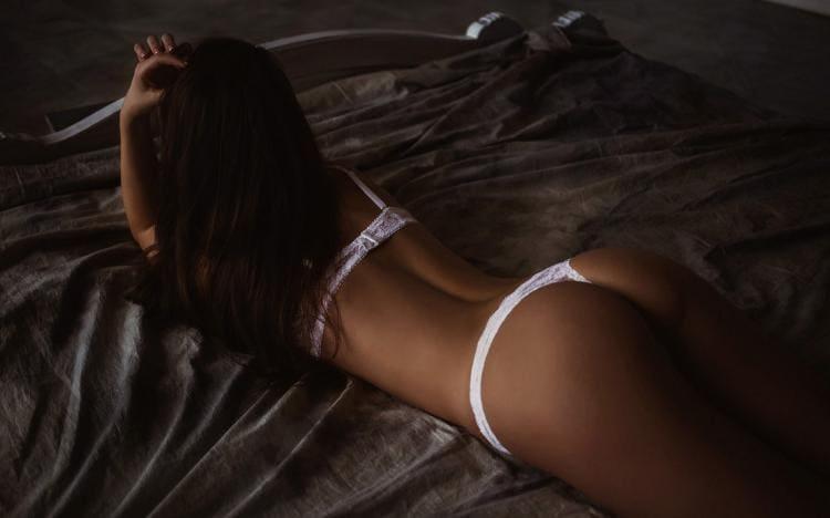 Девушки со спины ( 27 фото)