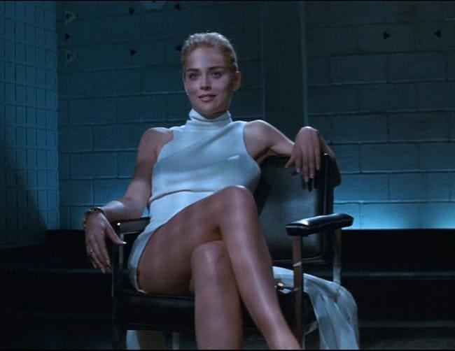 Шэрон Стоун сцена с ногами фото сидит в кресле кадр из фильма основной инстинкт