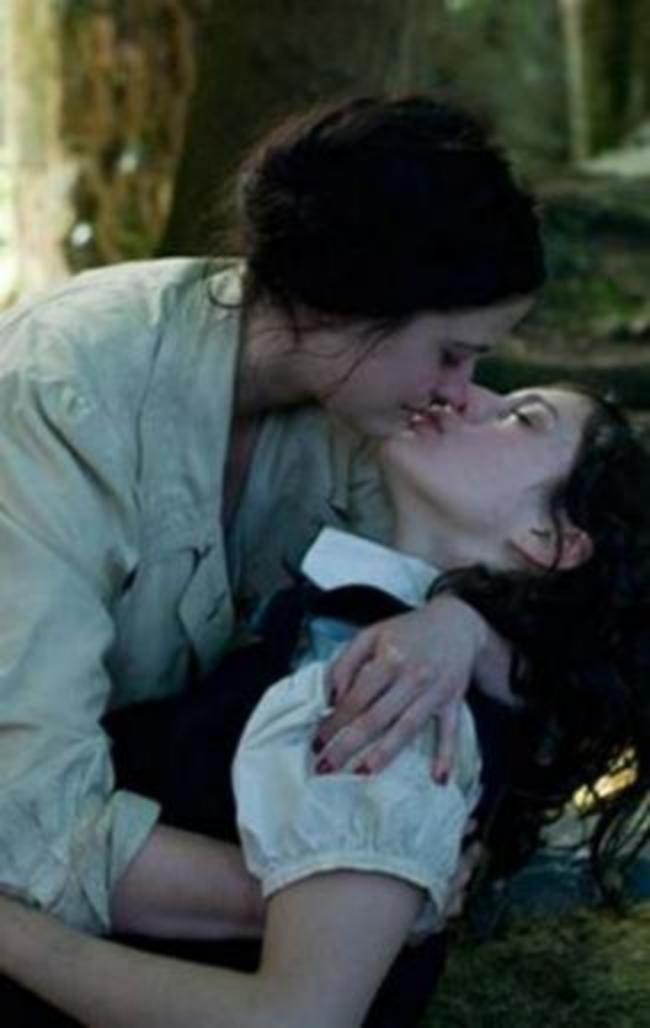 Лесбийский поцелуй