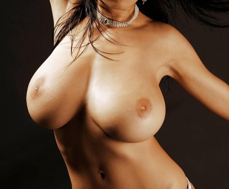 голые девушки показывают сиськи фото без лица большой груди
