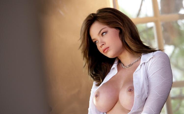 Фото сиськи девушек. Красивая грудь пирсинг сосков