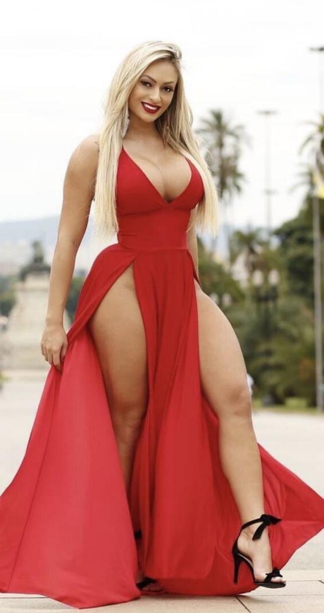 красное платье большие сиськи, блондинка с пухлыми телесами ножки сиськи просто ням