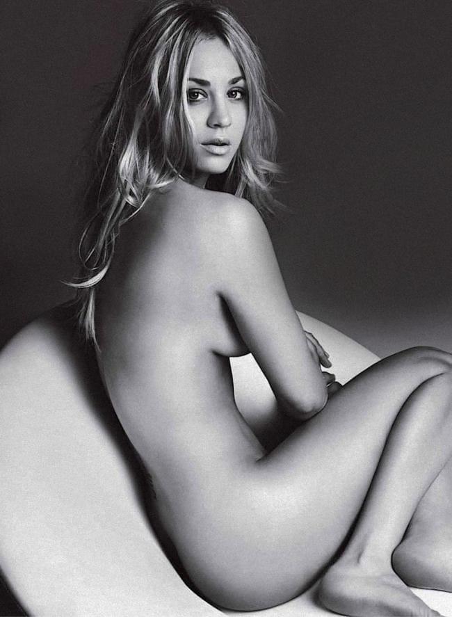 Кейли Куоко фото голая черно белое фото, голая вид сбоку