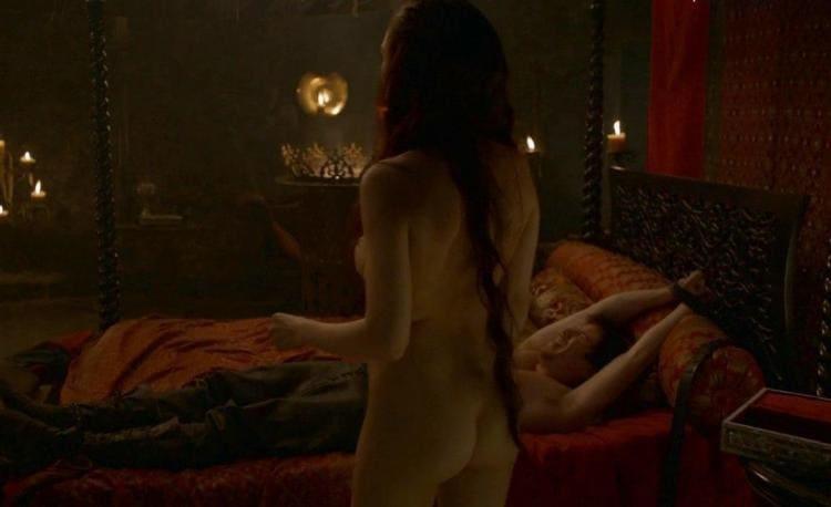 Игра престолов, постельная сцена фото, вид сзади