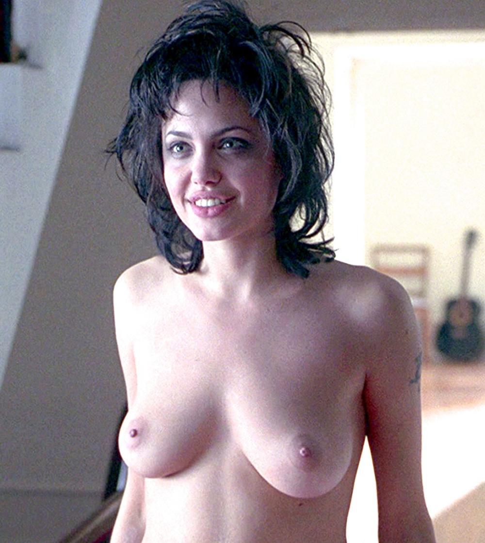 Анджелина Джоли голая молодая, сиськи