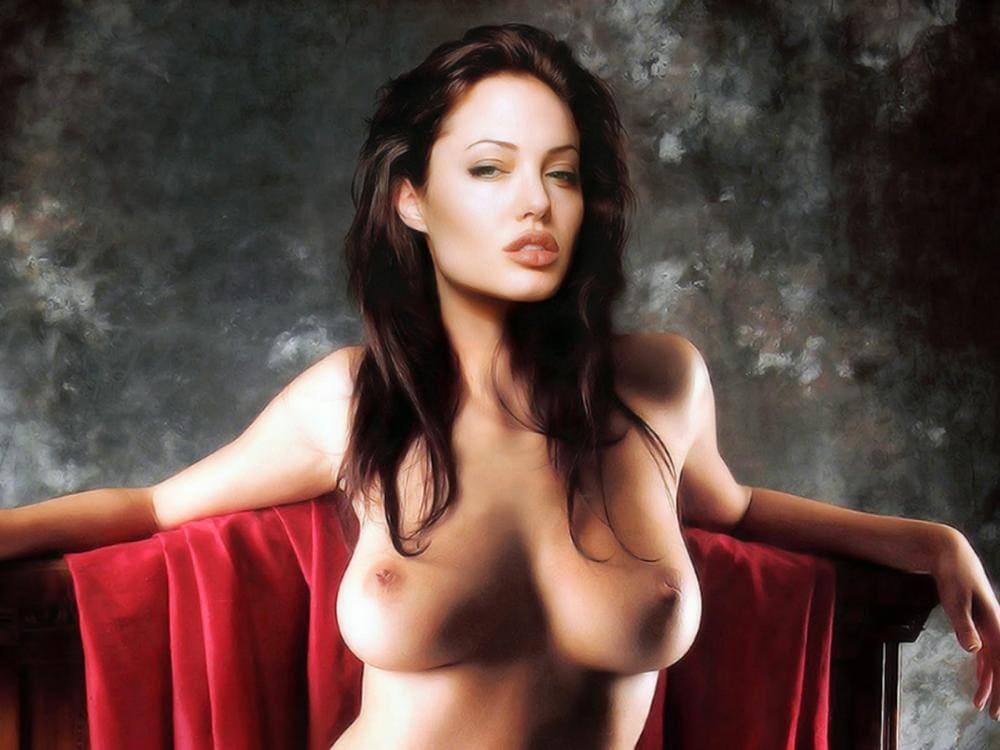 Анджелина Джоли голая сидит в красном кресле грудь