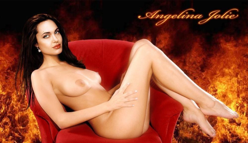 Анджелина Джоли голая сидит в кресле вид сбоку ножки ступни