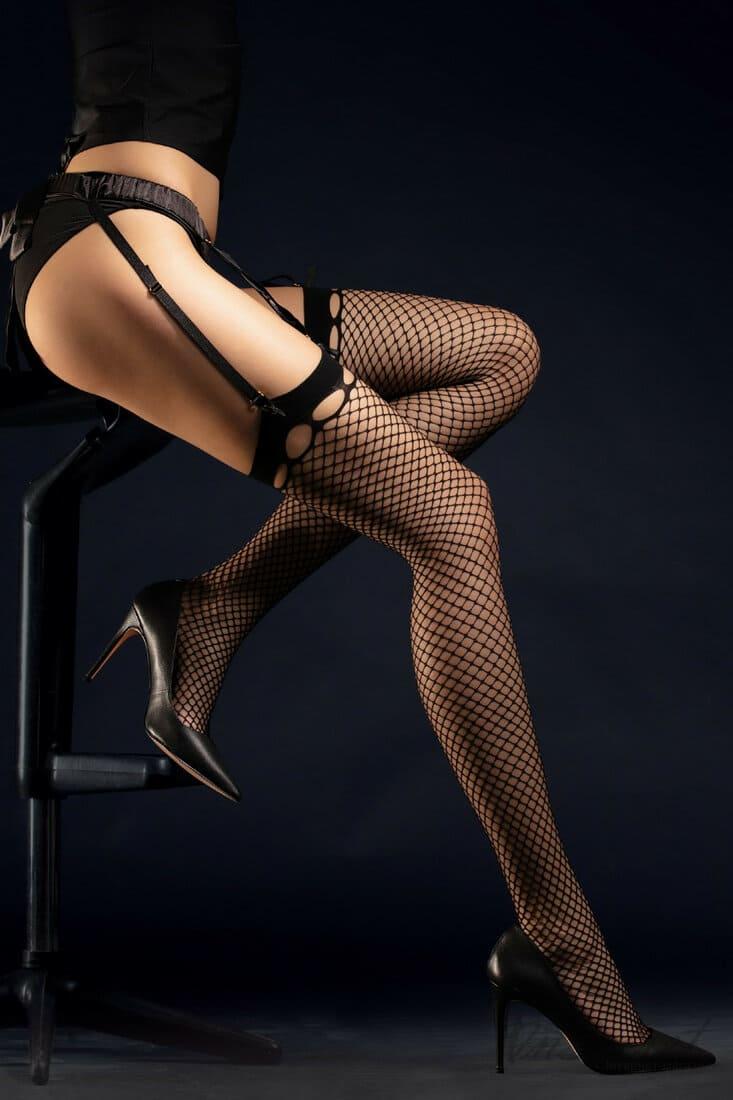 фетиш чулки сексуальные фото в чулках в сеточку на поясе в туфлях на каблуках
