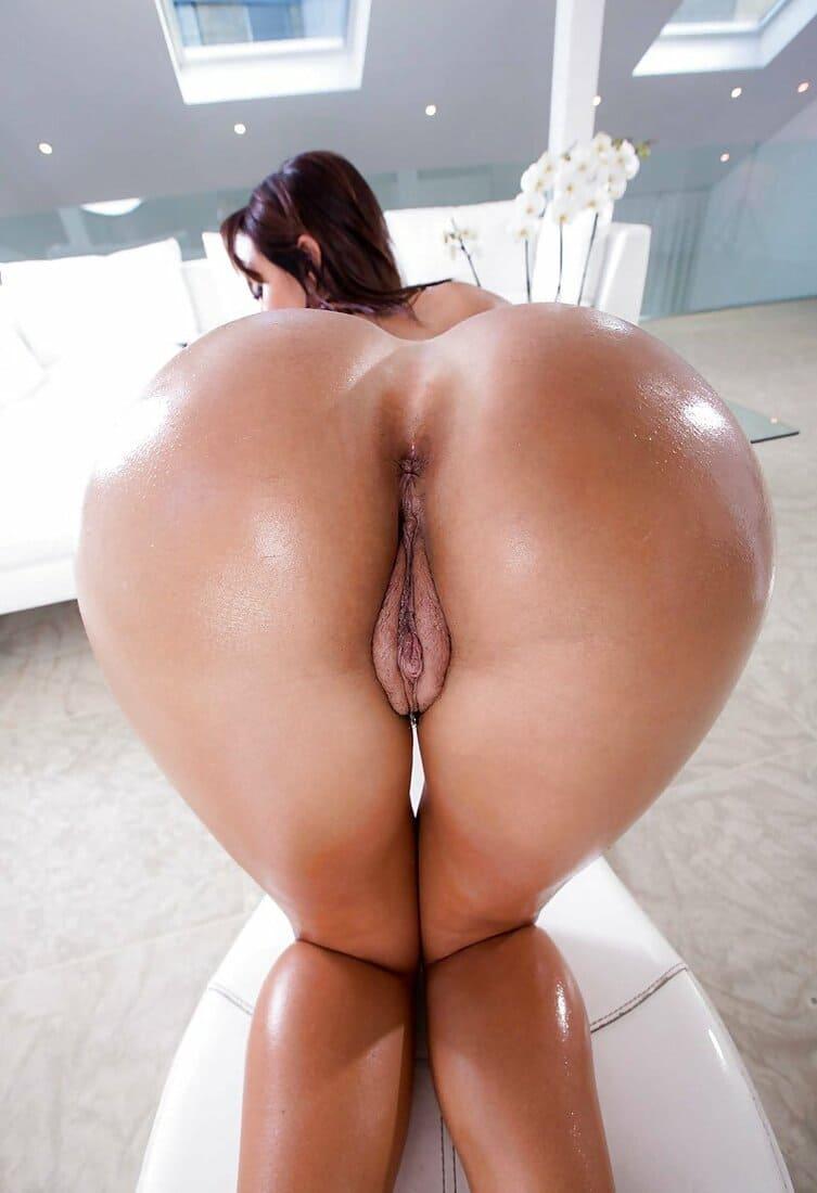 фото голые толстые попы