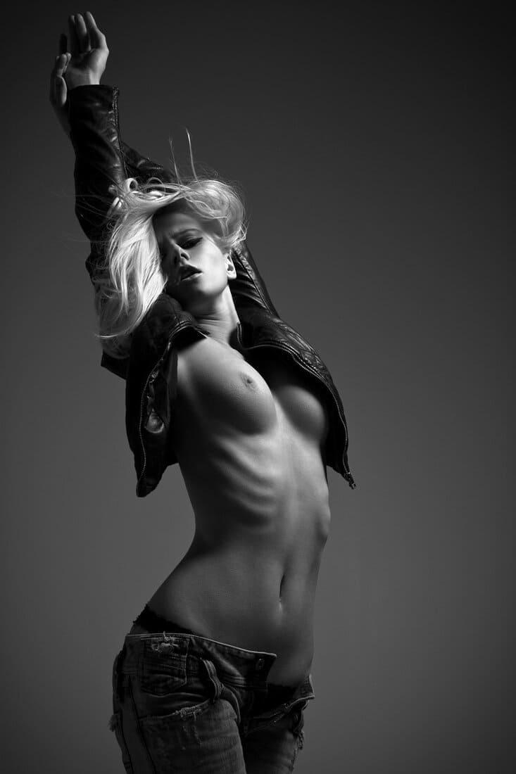 черно белые фото девушек блондинка