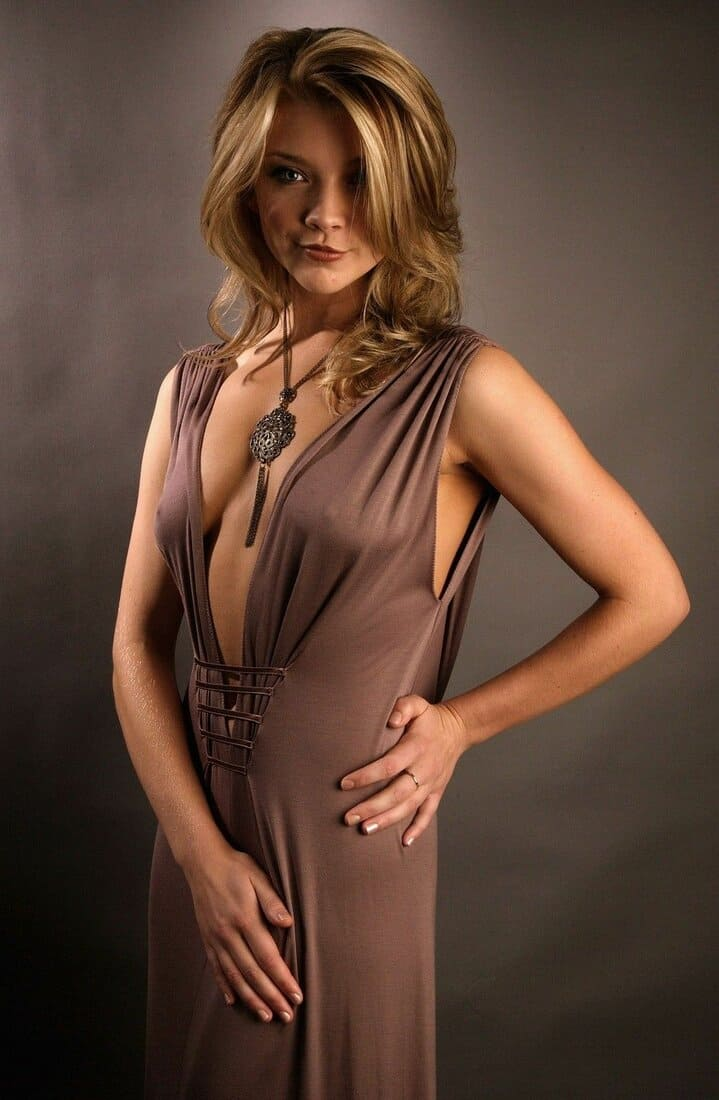 натали дормер горячие фото в платье с декольте до пупа